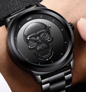 Мужские часы  с черепом на циферблате +Браслет!
