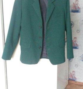 Педжак школьный зелёный