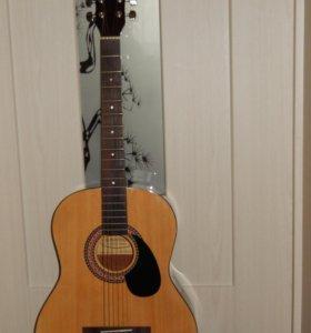 Гитара шестиструнная, в хорошем состоянии!