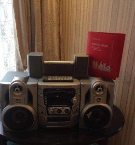 Музыкальный центр Mini LG LM-K5530 (караоке)