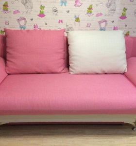 Продается диван.
