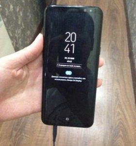 Телефон Samsung Galaxy S8+