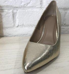 Туфли золотого цвета (р-р 36-36,5 или 6,5)