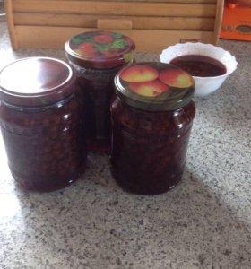 Варенье из лесной клубники и Уральского абрикоса