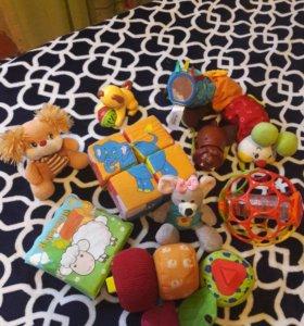 Развивающие игрушки-погремугки