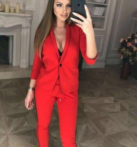 SALE!костюм Dolce&Gabbana-красный и пудровый цвет