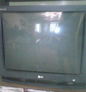 Телевизор LG золотой глаз