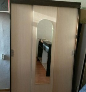 Новый шкаф купе 3-х дверный с зеркалом