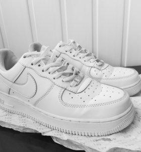 Nike Air Force 1 `07