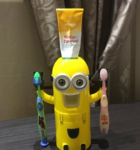 Держатель для зубных щёток Minion Wash Kit