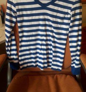 Джемпер в сине-белую полоску