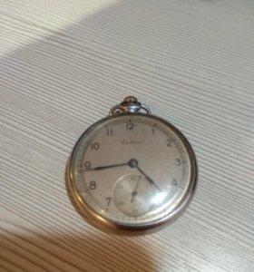 Часы Салют.