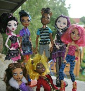 7 кукол Monster High