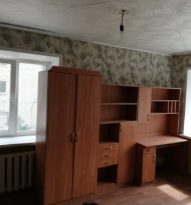 Шкаф,стол
