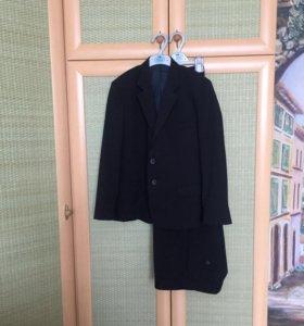 Костюм (пиджак+брюки)на мальчика