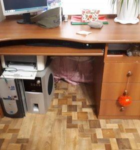 Стол компьютерный, письменный