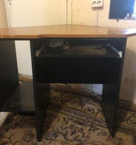 Угловой компьютерный стол (самовывоз из Сертолово)