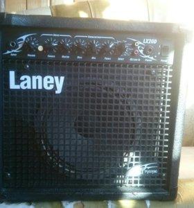 Гитарный комбоусилитель LX20D