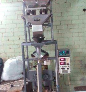 Вертикальный фасовочно-упаковочный аппарат ТПА12ОО