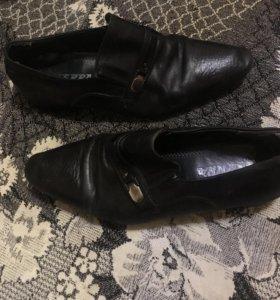 Мужская обувь, как новые, торг уместен