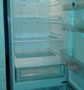 Холодильник Samsung (на запчасти)