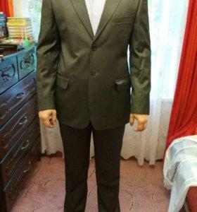 Мужской, серый, классический костюм. Новый