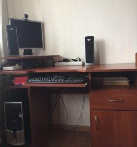 Стол компьютерный / письменный
