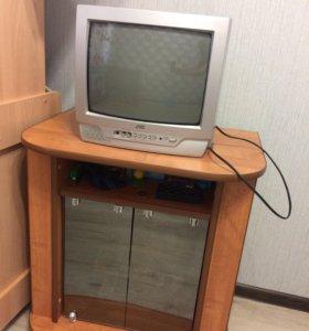 Продаётся телевизор, тумба, настенная подставка
