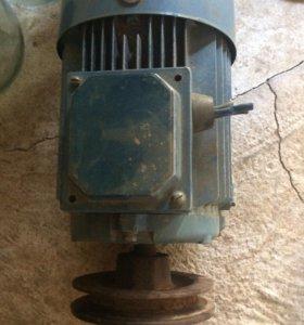 Мощный советский 3х фазный двигатель со шкивом 🌀