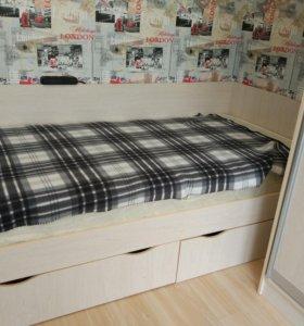 Кровать с матрасом 90*190