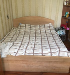 Двухспальная кровать(торг)