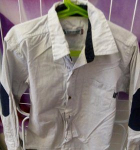 Одежда для мальчиков,много рубашек