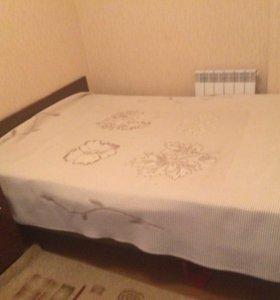 Кровать, тумба, матрас