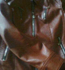 Продам новую кожаную куртку.