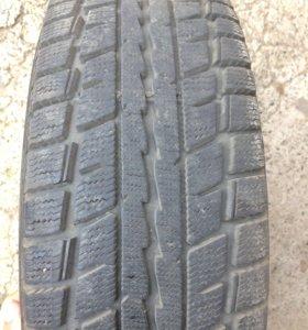 Продам комплект резины 4 штуки (Dunlop),с дисками