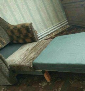 Продам два дивана ,раскладных,8.т.р,торг уместен,с