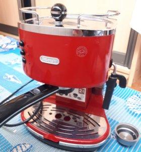 Кофеварка DeLonghi ECO310