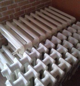 Радиатор чугунный, 140 руб. за секцию