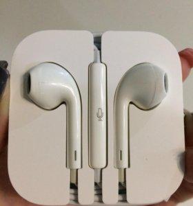 Наушники на Apple iPhone 5
