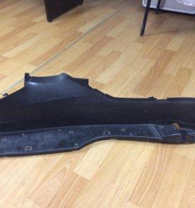 Подставка ног левая Honda Forza MF08