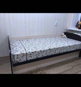 Две одинаковые кровати!!!