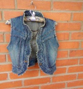 Жилет джинсовой