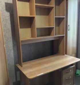 Компьютерный стол со шкафами