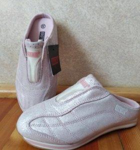 Новые фирменные кроссовки