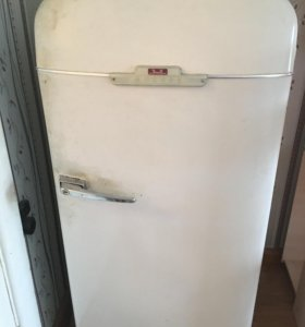 Холодильник ЗИЛ...