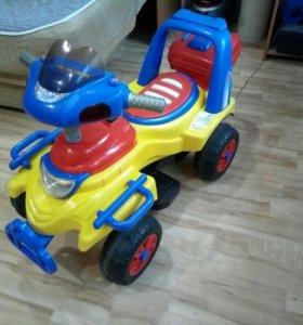 Детская машина электрическая