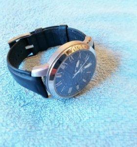 Часы кварцевые Fossil FS4745