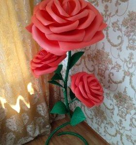 Красная большая роза