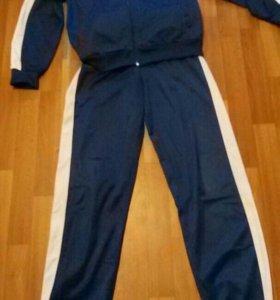 Продам спортивный костюм 46 размер