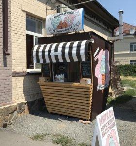 Рабочий бизнес мороженное, кофе.